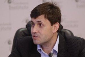 Якби Кличко вдягнув біло-синю майку - вибори мера Києва оголосили б уже сьогодні, - комуніст