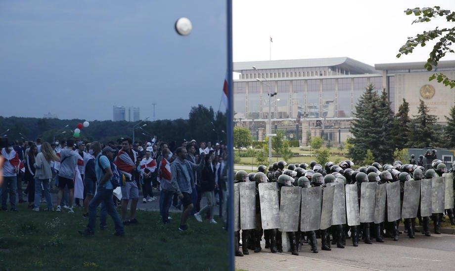 ОМОН охраняет администрацию президента во время протестов, Минск, 23 августа 2020 г.