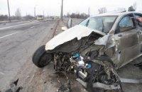 У Києві на Троєщині Lexus протаранив дві маршрутки
