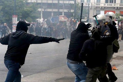 В Афінах поліція застосувала сльозогінний газ проти демонстрантів