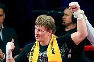 Поветкин провел спарринг с Вахом накануне боя с Кличко