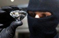 В поселке Емильчино ограбили ювелирный магазин на 2 млн гривен