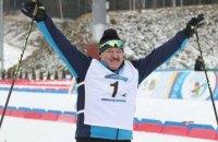 Лукашенко виграв біатлонну гонку завдяки супернику, який чотири рази впав на фініші