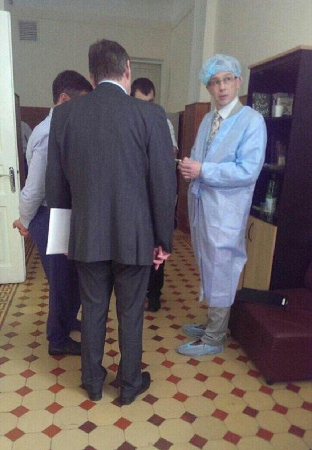 Фото с посещения консула РФ