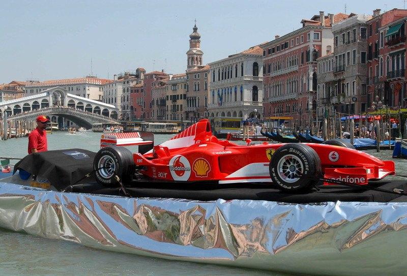 Болід Ferrari F2002