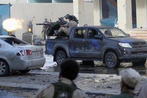 В результате боев за столицу Ливии погибли более 440 человек