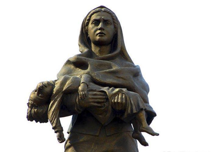 Пам*ятник жертвам Ходжалинської трагедії