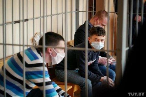 """У Білорусі неповнолітнього засудили до п'яти років колонії за """"коктейль Молотова"""" на протестах"""