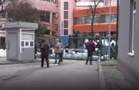 В Киеве заблокировали редакцию телеканала NewsOne