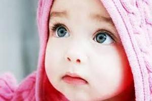 Украинцы ежегодно усыновляют около двух тысяч детей