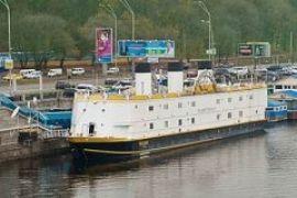 Казино River Palace отбуксировали из Киева в Новоукраинку