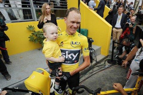 """Кріс Фрум учетверте виграв """"Тур де Франс"""""""