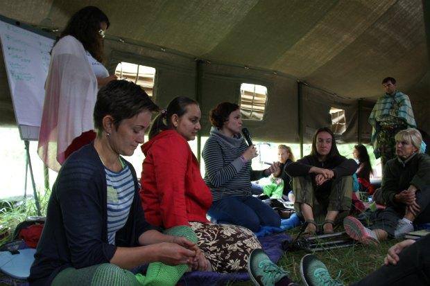 Родители делятся опытом домашнего обучения во время«Образовательного эксперимента»на хуторе Обирок Черниговской области