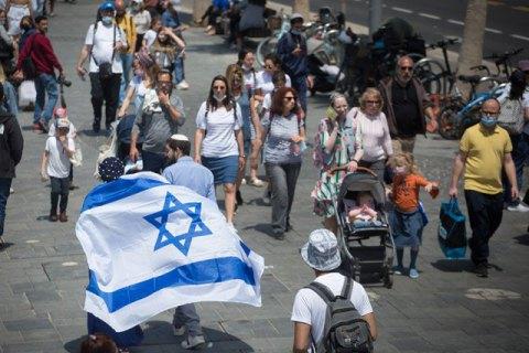 Израиль отменяет обязательное ношение масок на улице