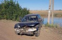На Харківщині неповнолітній викрав автомобіль і влетів на ньому у стовп