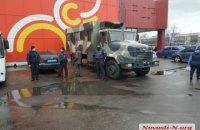 В Николаеве полиция и Нацгвардия заблокировали работу рынка, работавшего в карантин