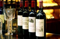 В Бордо сгорел склад вина, уничтожены 2 млн бутылок стоимостью $13 млн