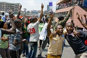 Кения: полиция применила слезоточивый газ в Момбасе