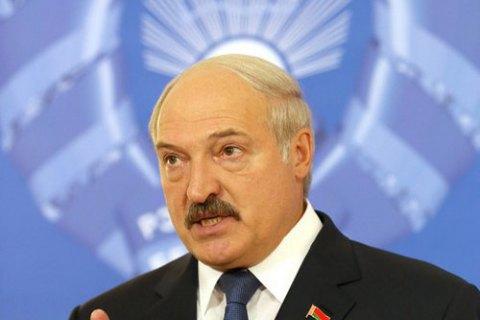 """Лукашенко заявил, что на протесты выходят """"люди с криминальным прошлым и безработные"""", и посоветовал им устроиться на работу"""