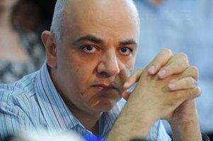 В Румынии манифестанты добились восстановления уволенного чиновника