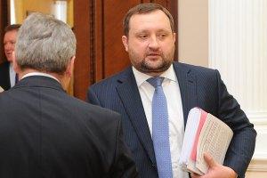 Арбузов в отсутствие Азарова раздал госгарантии на 1,6 млрд грн