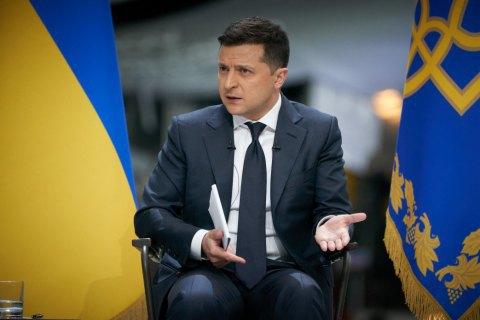 """Зеленский прокомментировал заявления Путина о """"фашизме"""" в Украине: """"Тем, кто так говорит, хочется ответить по-мужски"""""""
