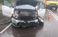 У Сумах машина в'їхала в електроопору, постраждали чотири людини