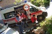 В Киеве таксист выбросил на обочину пассажира, припарковал авто и скрылся