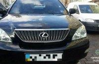 В центре Киева Lexus убегал от патрульных по встречке