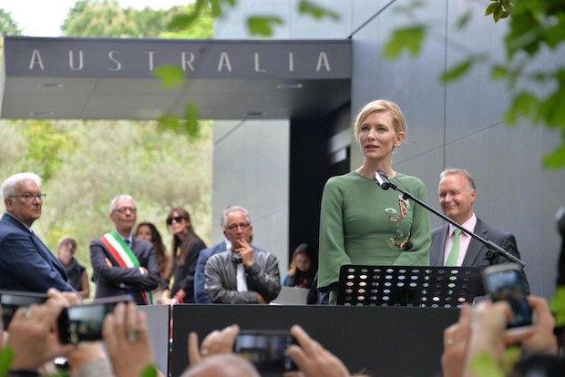 Кейт Бланшетт на открытии австралийского павильона в Венеции