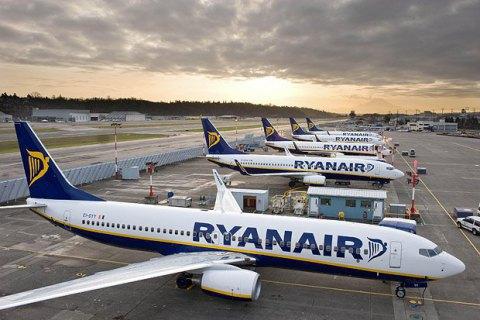 """Аеропорт """"Бориспіль"""" погодив 17 рейсів Ryanair із 24"""
