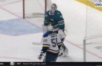 В матче НХЛ вратари едва не подрались