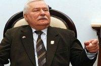 Валенса: Янукович хитрый, он хорошо играет с Россией и ЕС