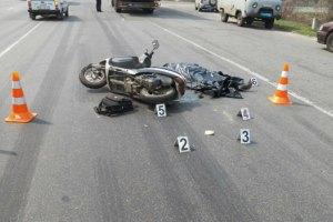 Мотоциклист сбил в Луцке бабушку с внучкой