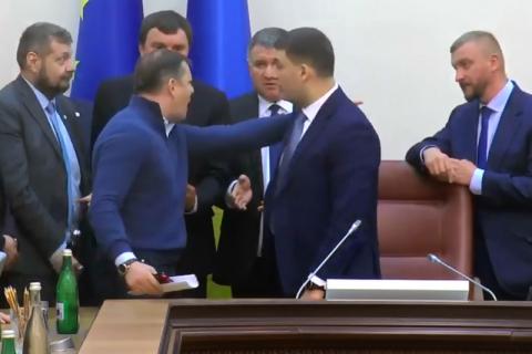 Ляшко увірвався на засідання Кабміну і влаштував скандал через Коболєва