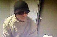 МВС показало фото невловимого грабіжника київських ломбардів