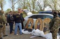Правоохоронці затримали банду, яка крала ікони з церков