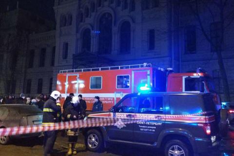 В університеті Санкт-Петербурга обвалилися перекриття трьох поверхів