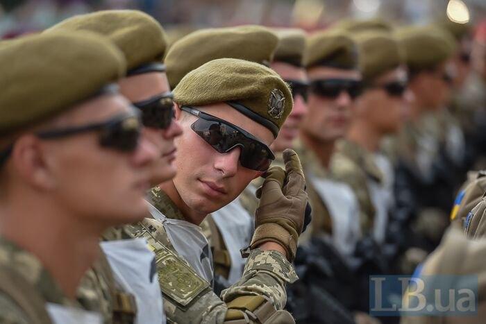 Військовослужбовці під час репетиції параду в Києві, 19 серпня, 2018