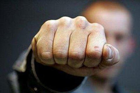 В Умани пьяный мужчина поссорился с головой сельсовета и избил полицейского