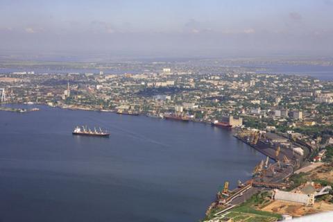"""В """"Укрзализныце"""" заявили, что николаевский филиал АМПУ блокирует ее работу на территории порта"""