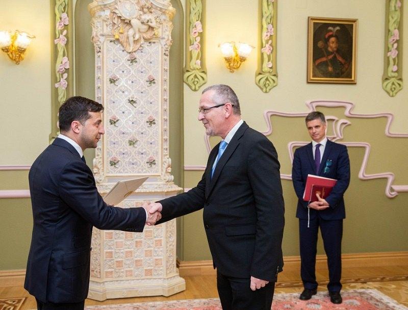 В ходе встречи с послом Республики Словения Томажем Менциным