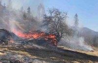 """На території національного парку """"Синевир"""" згоріли дві дерев'яні споруди"""