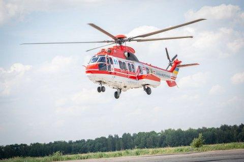 Для преодоления последствий наводнения в Карпатах привлекли пять вертолётов и самолет МВД