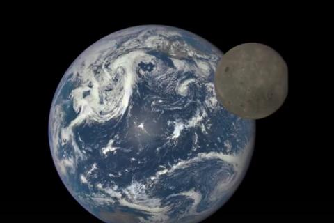 NASA показало унікальні знімки зворотного боку Місяця