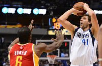 "НБА: Новицки ""перестрелял"" Дюранта, ""Лейкерс"" набрал 54 очка за четверть"
