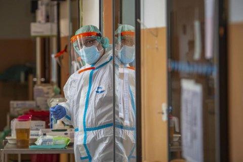 В мире зафиксировано более 38,7 млн случаев COVID-19