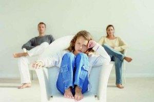 Половина українських батьків нічого не знають про проблеми дітей