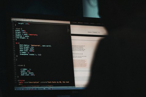 Близько 200 американських компаній постраждали від кібер-атаки, яку пов'язують з російськими хакерами