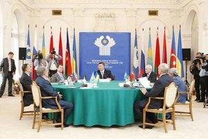 Янукович собрался в Минск на саммит СНГ